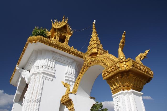 Pha_That_Luang,_Vientiane,_Laos_(4244731796)